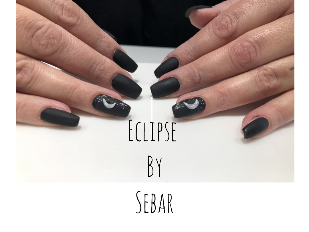 Eclipse Nail Art